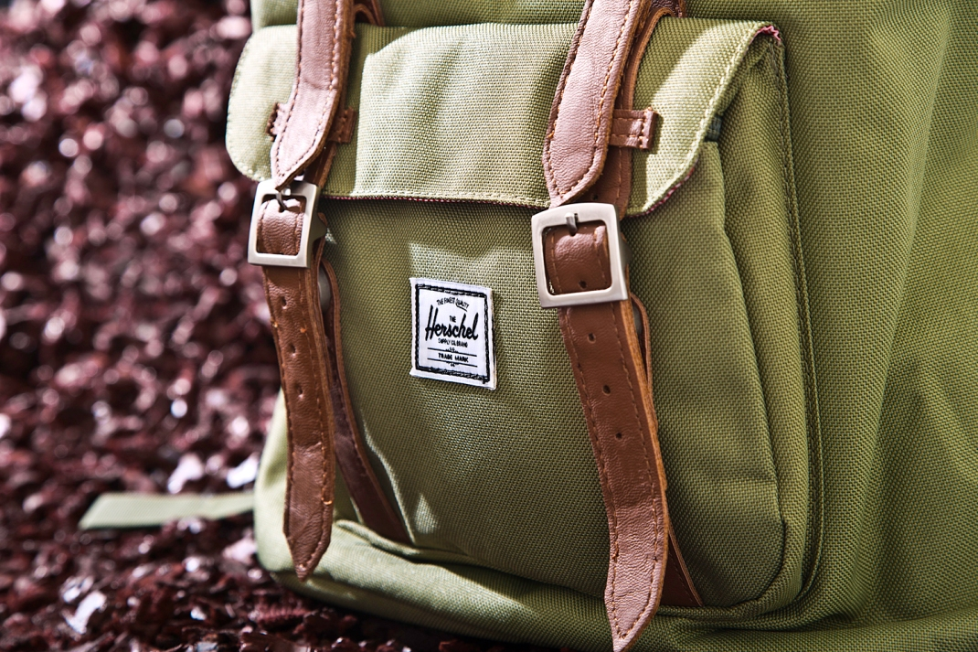 Herschel-Supply-details